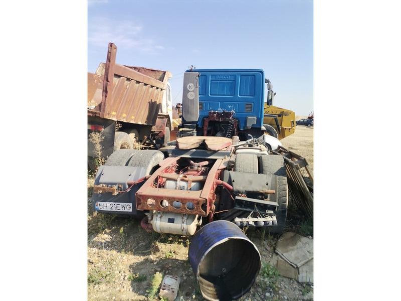 Cap tractor Iveco - 3/4